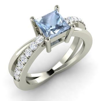 помолвочное кольцо из белого золота с аквамарином