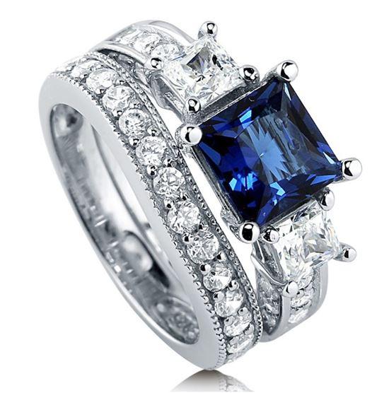 помолвочное кольцо из серебра с сапфиром