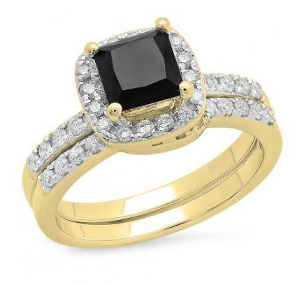 помолвочное кольцо из желтого золота с черным бриллиантом