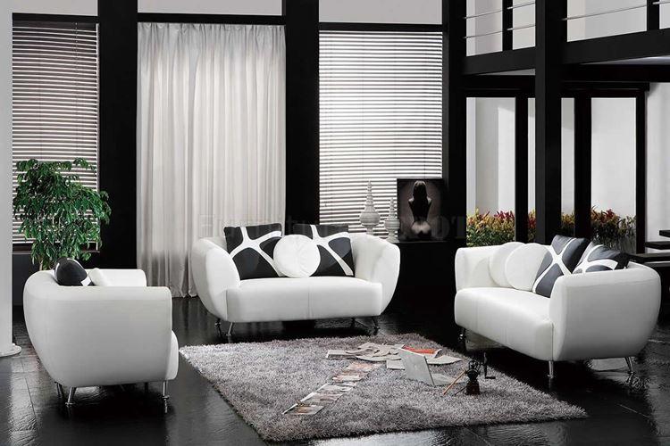 Бежевый диван в интерьере: контрастная чёрно-белая гостиная