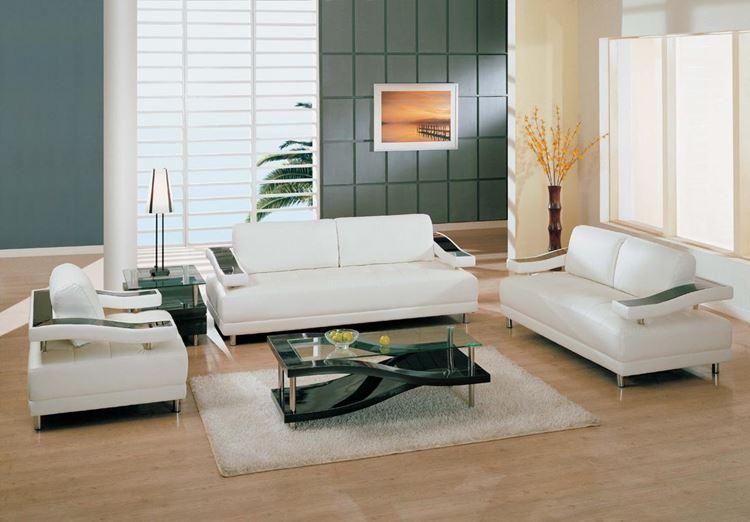 Белый диван в интерьере: минималистичная гостиная в бежево-зеленых тонах