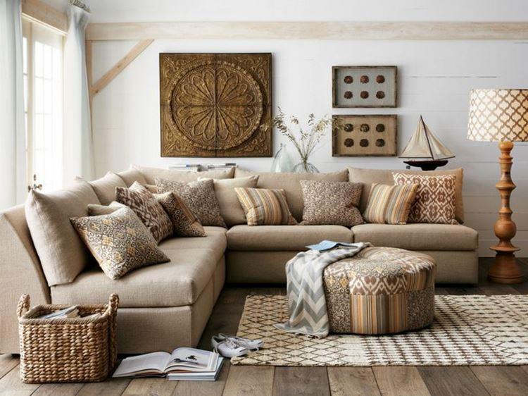 Бежевый диван в интерьере: уютный интерьер загородного дома