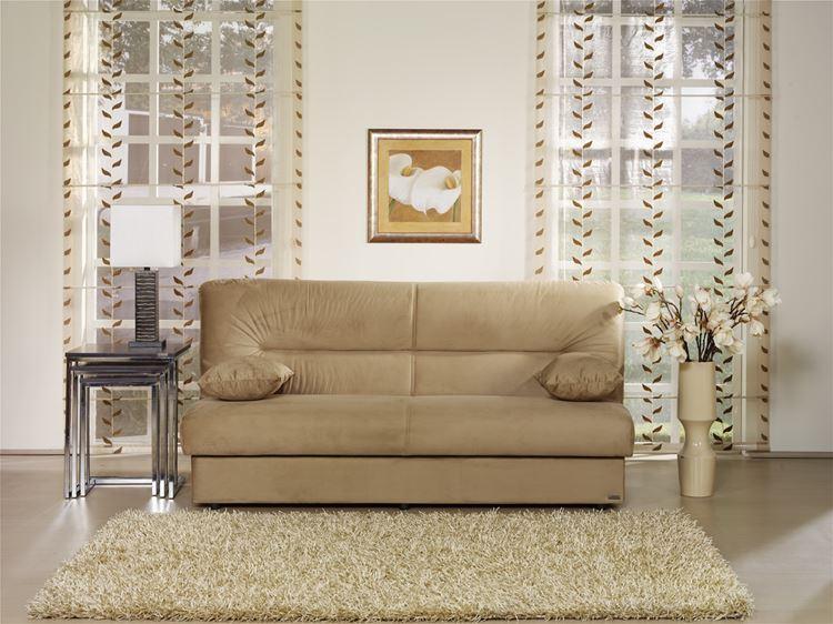 Бежевый диван в интерьере: минималистичный замшевый в бежевой гостиной