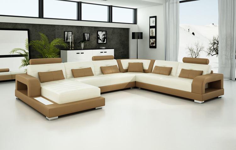 Бежевый диван в интерьере: бежево-белый угловой кожаный в серой комнате