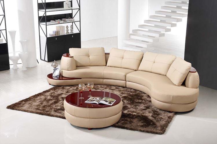 Бежевый диван в интерьере: кожаный округлый