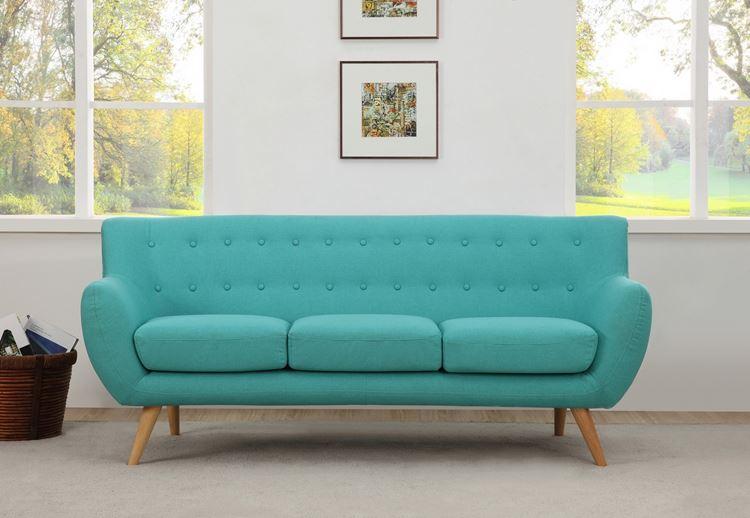 Бирюзовый диван в интерьере: Стильный диван оттенка аквамарин на деревянных ножках