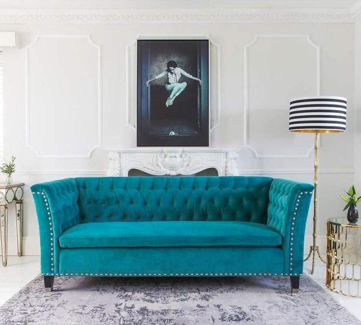 Бирюзовый диван в интерьере: яркий бархатный в стиле барокко