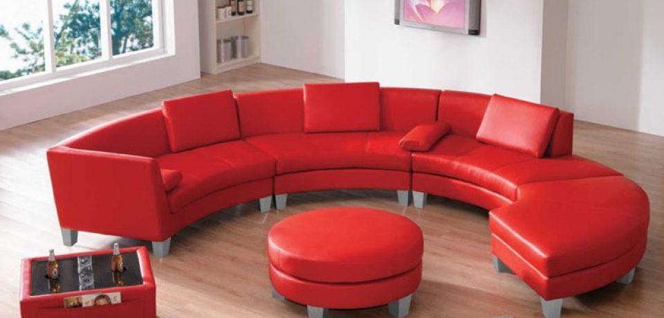 Красный диван в интерьере: кожа, бархат и текстиль