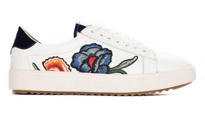 Deri&Mod на лето 2017: кроссовки с цветочной вышивкой