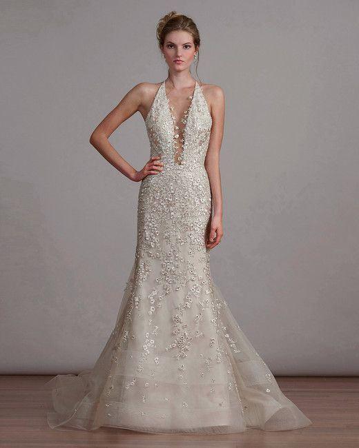 Греческие свадебные платья 2017-2018: расшитое пайетками с глубоким V-образным вырезом