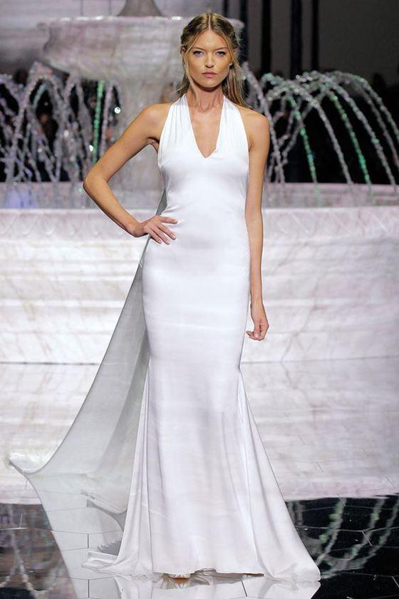 Греческие свадебные платья 2017-2018: прилегающее русалка с длинным шлейфом