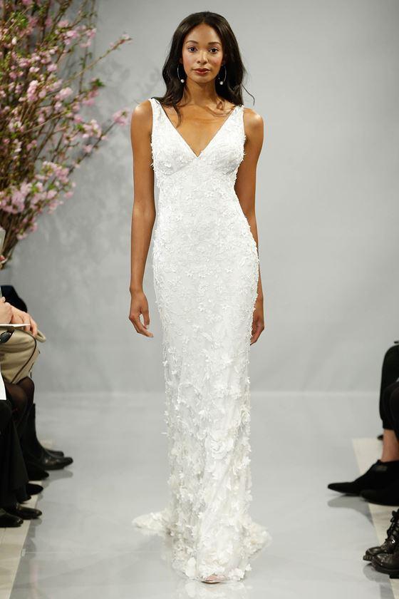 Греческие свадебные платья 2017-2018: с глубоким V-образным вырезом