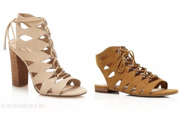 Коллекция обуви Guess весна-лето 2017: замшевые бежевые босоножки с прорезями