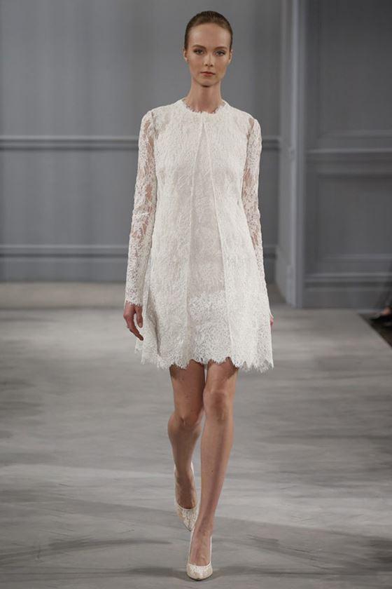 Короткие свадебные платья 2017-2018: длинные рукава и кружевная ткань