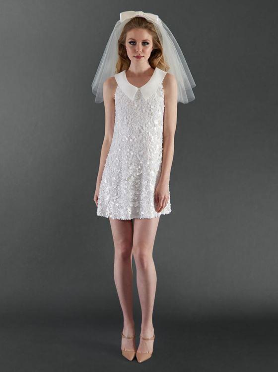 Короткие свадебные платья 2017-2018: мини расшитое кристаллами