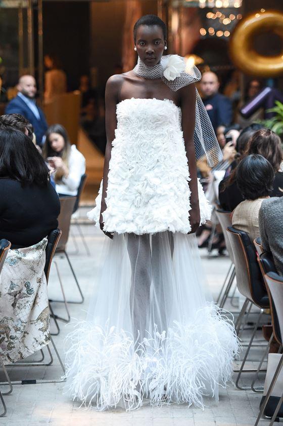 Короткие свадебные платья 2017-2018: бюстье с длинной тюлевой прозрачной юбкой