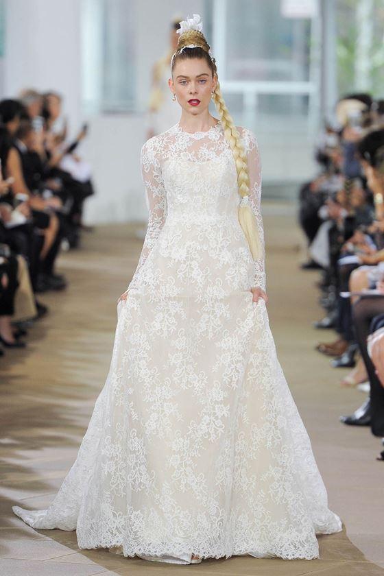 Кружевные свадебные платья 2017-2018: длинные полупрозрачные рукава