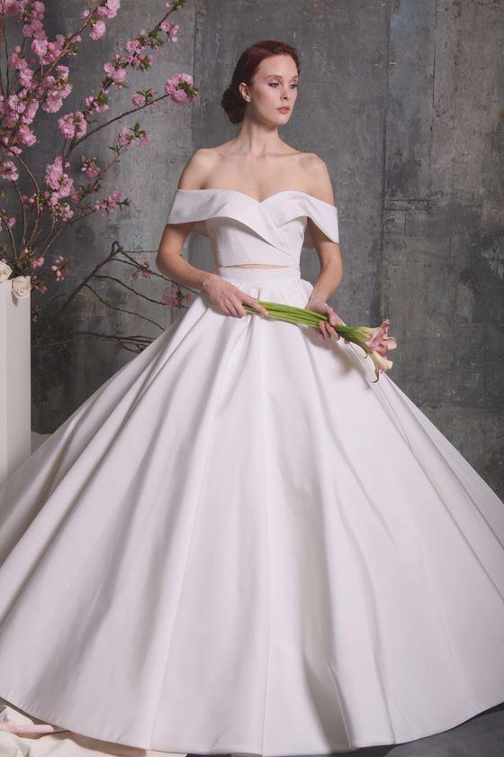Пышные свадебные платья 2017-2018: кроп-топ с открытыми плечами