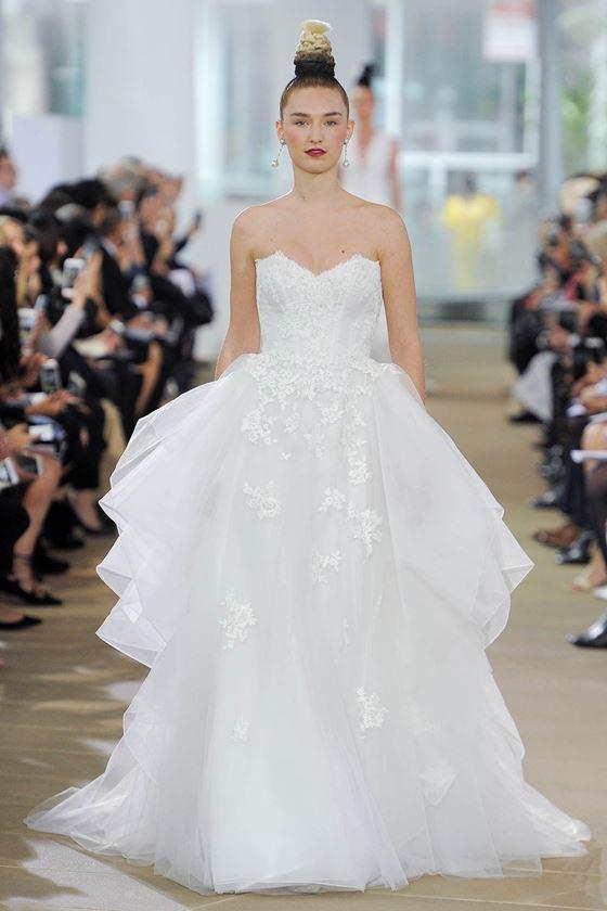 Пышные свадебные платья 2017-2018: двухслойная тюлевая юбка