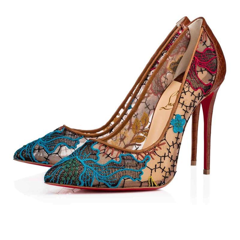 Коллекция Christian Louboutin осень-зима 2017-2018: цветные кружевные туфли-лодочки на шпильке