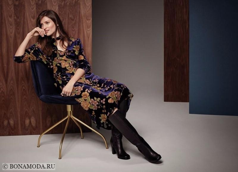 Лукбук коллекции Marks & Spencer осень-зима 2017-2018: бархатное платье ниже колена с цветочным принтом