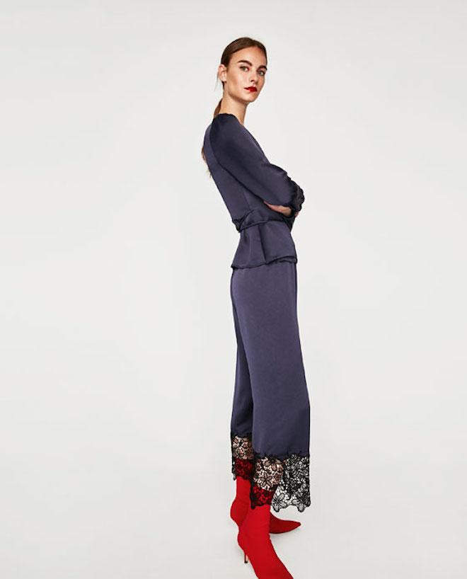 Лукбук коллекции Zara осень-зима 2017-2018: шелковый костюм пижама с красными ботильонами