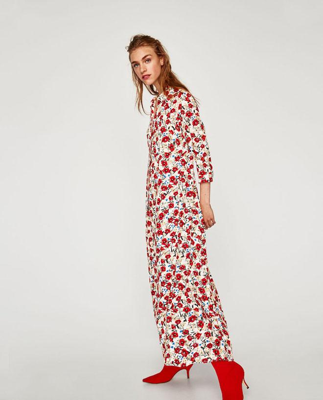 Лукбук коллекции Zara осень-зима 2017-2018: длинное платье с цветочным принтом и красными ботильонами