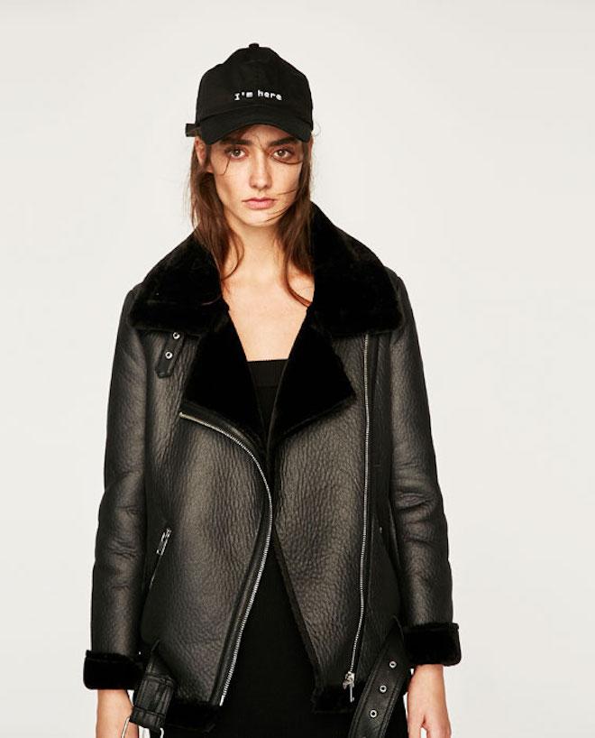 Лукбук коллекции Zara осень-зима 2017-2018: черная кожаная куртка косуха