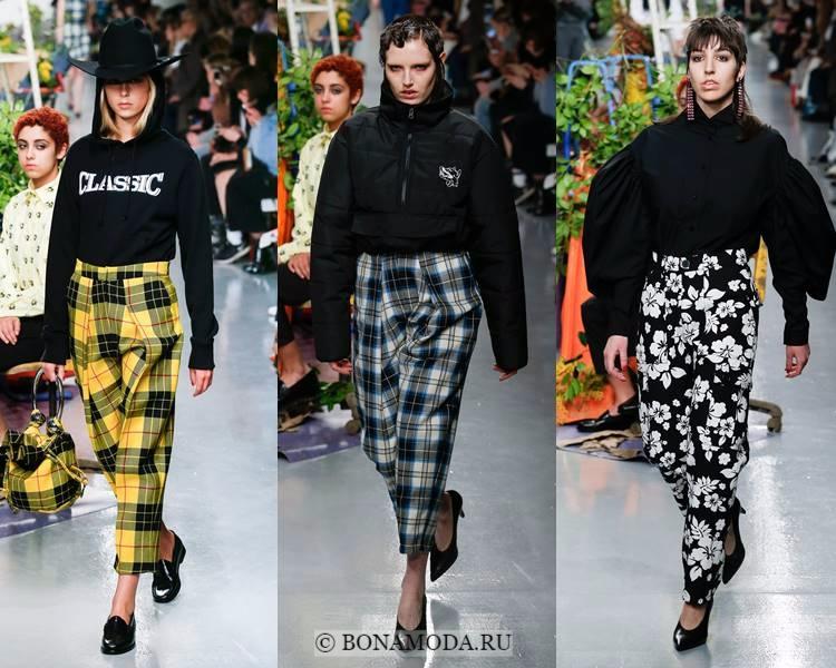 Модные женские брюки осень-зима 2017-2018: Ashley Williams – клетка и цветочный принт