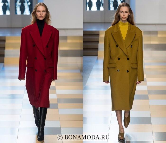 Модные женские пальто осень-зима 2017-2018: бордовое и болотное двубортное Jil Sander