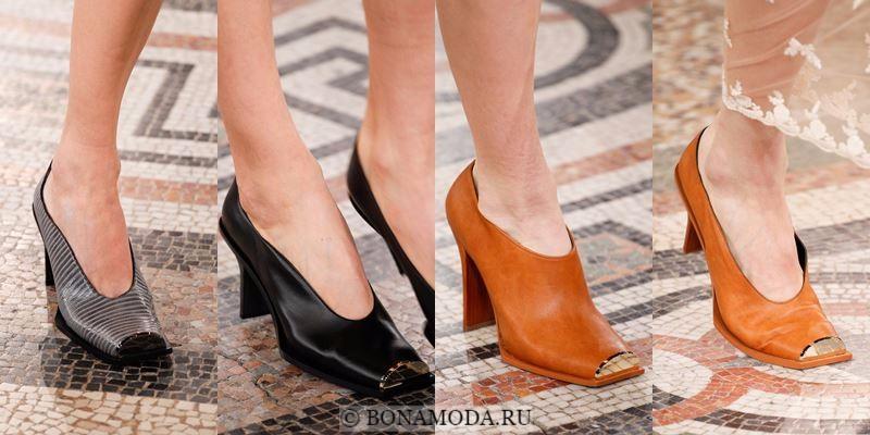 Модные женские туфли осень-зима 2017-2018: квадратный металлический мысок