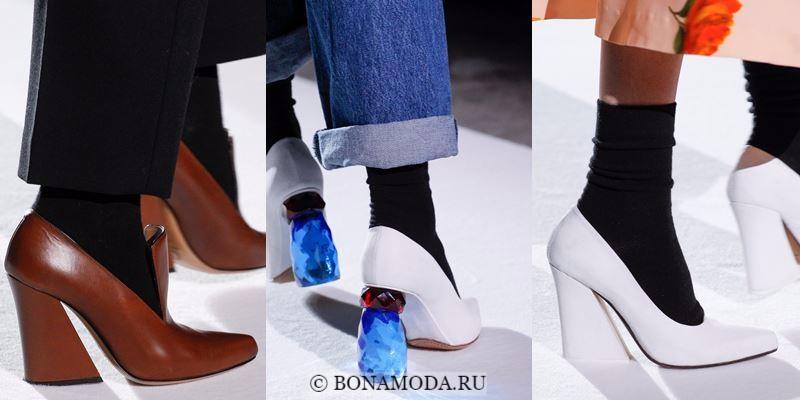 Модные женские туфли осень-зима 2017-2018: белые и коричневые на массивном высоком каблуке