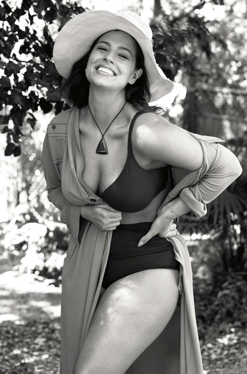 Плюс сайз модель Эшли Грэм в фотосессии Elle France - купальник бикини и шляпа