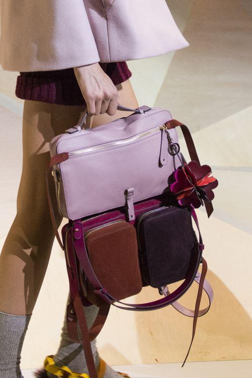 Сумки Anya Hindmarch осень-зима 2017-2018 - сиренево-пурпурный рюкзак