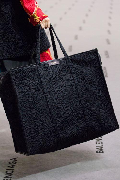 Сумки Balenciaga осень-зима 2017-2018 - большая черная сумка