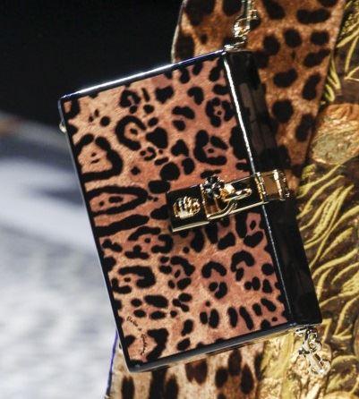 Сумки Dolce&Gabbana осень-зима 2017-2018: жесткий леопардовый клатч коробка