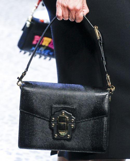 Сумки Dolce&Gabbana осень-зима 2017-2018: черная классическая змеиная кожа