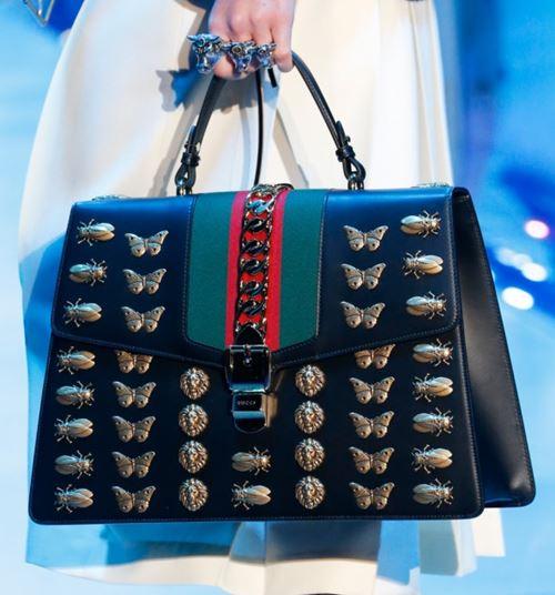 Сумки Gucci осень-зима 2017-2018: трапециевидная с аппликациями-насекомыми