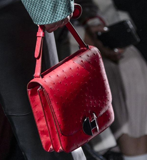 Сумки Hermès осень-зима 2017-2018: красная страусиная кожа