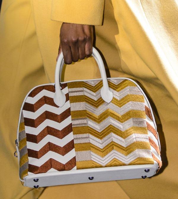 Сумки Hermès осень-зима 2017-2018: bolide bag с принтом зигзагами