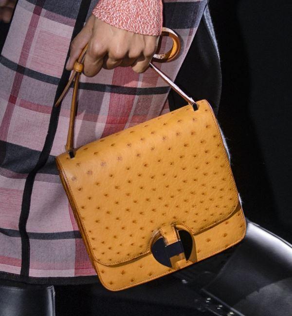 Сумки Hermès осень-зима 2017-2018: желтая страусиная кожа
