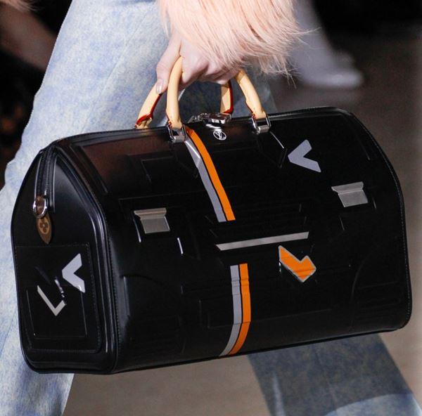 Сумки Louis Vuitton осень-зима 2017-2018: черная speedy bag
