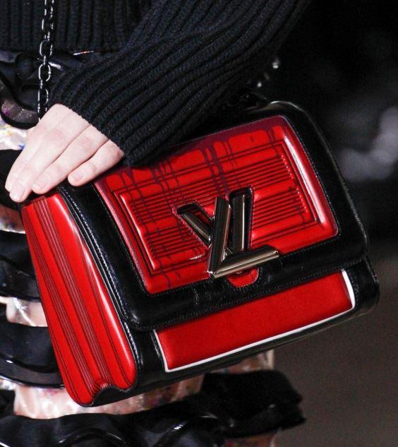 Сумки Louis Vuitton осень-зима 2017-2018: красно-черная Louise bag