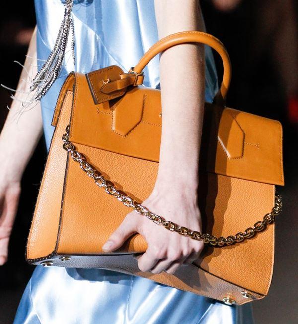 Сумки Louis Vuitton осень-зима 2017-2018: желтая жесткая деловая
