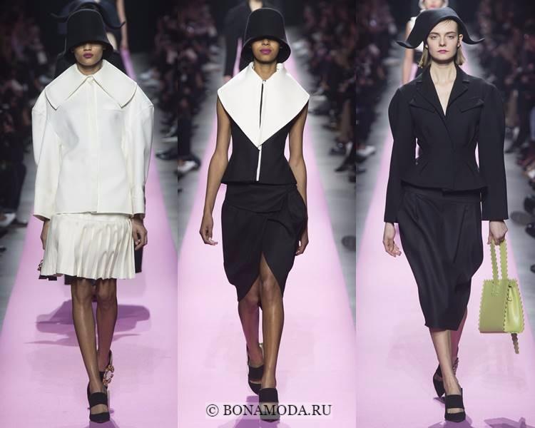 Женские костюмы с юбкой осень-зима 2017-2018: Jacquemus - черные, белые, архитектурные