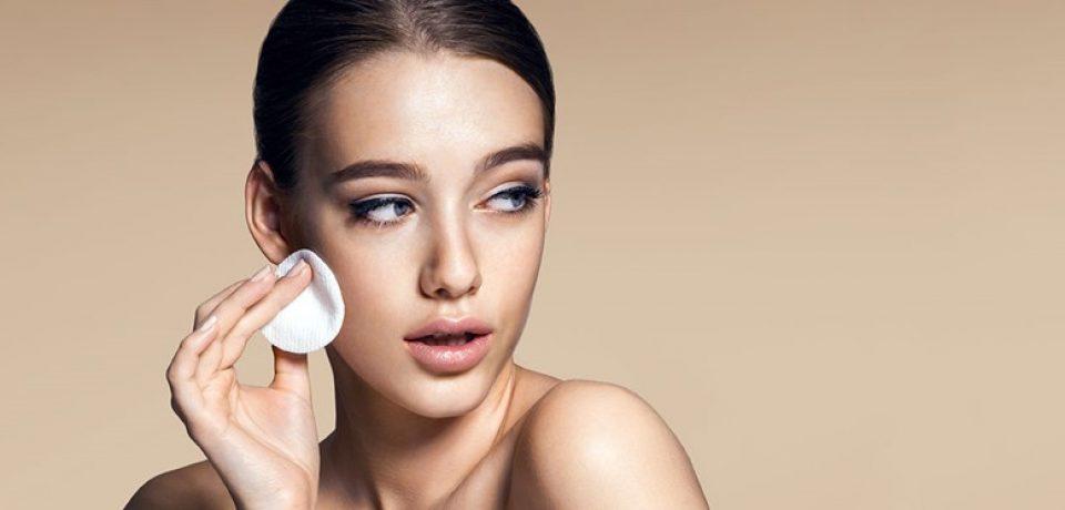 Увлажняющие и матирующие кремы для жирной кожи