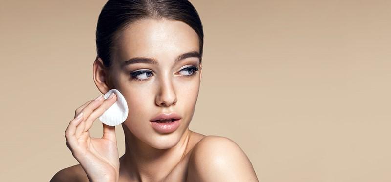Лучшие увлажняющие и матирующие кремы для жирной кожи