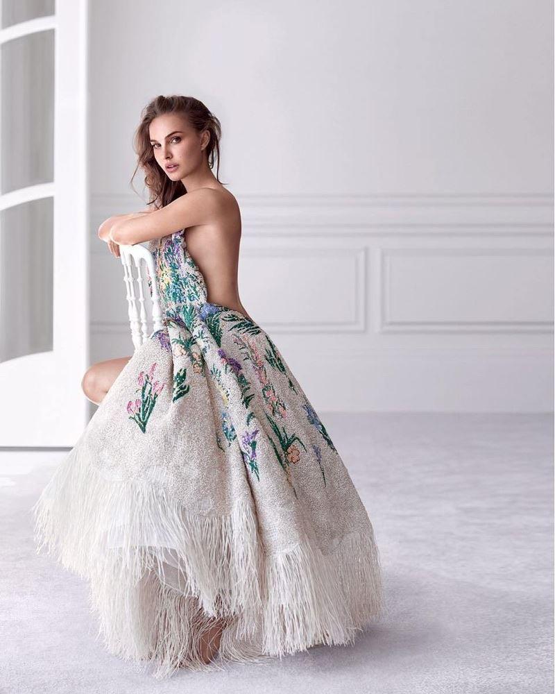 Натали Портман в рекламной кампании Miss Dior Eau de Parfum 2017 - пышное платье