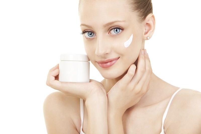 Питательные дневные кремы для сухой кожи