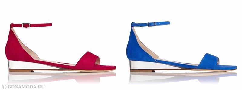 Замшевые туфли коллекции L.K. Bennett лето-2017 - красные и голубые босоножки на плоском ходу